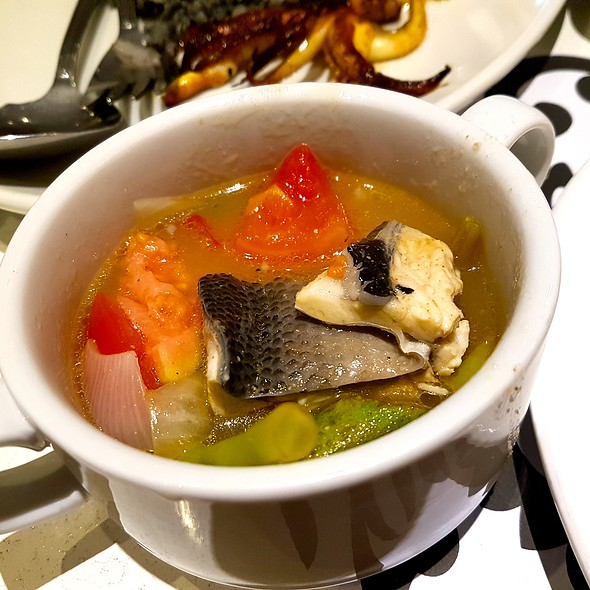 Sinigang na Bangus Belly in Ripe Guava @ Romulo Cafe