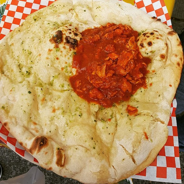 Naan And Chicken Tikka Masala