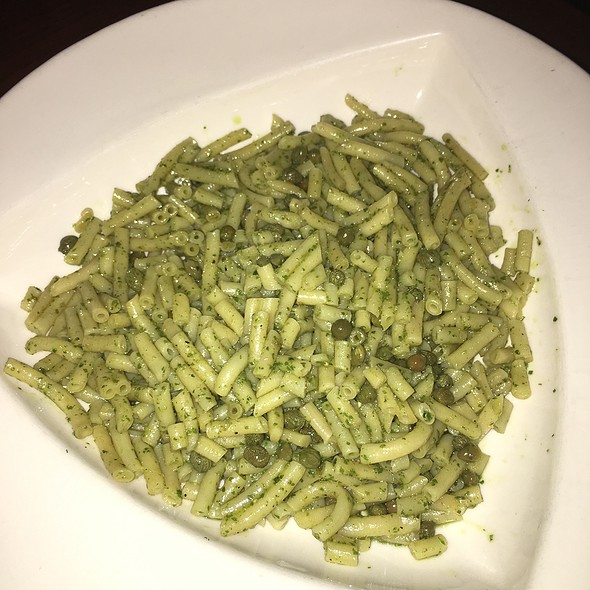 Bucatini With Olive Oil, Pesto & Capers