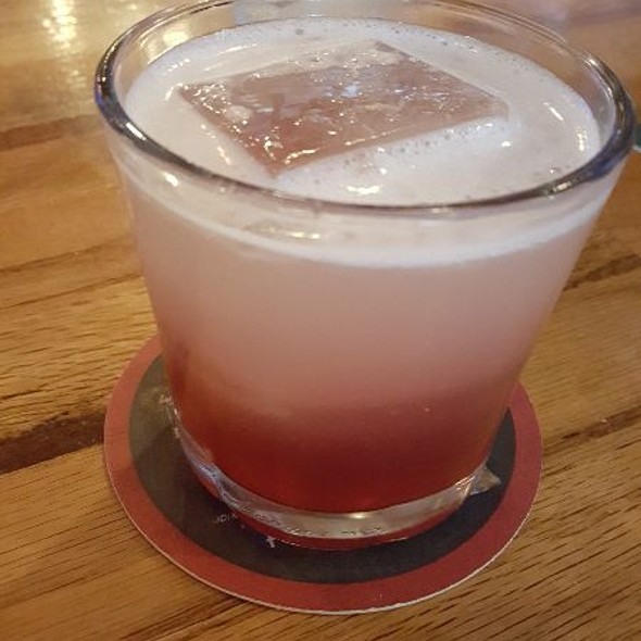 Chambord Lemon Vodka Cocktail