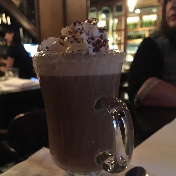 Café Modavie (Amaretto, Baileys, Federico)