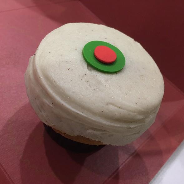 Pumpkin Cupcake @ Sprinkles