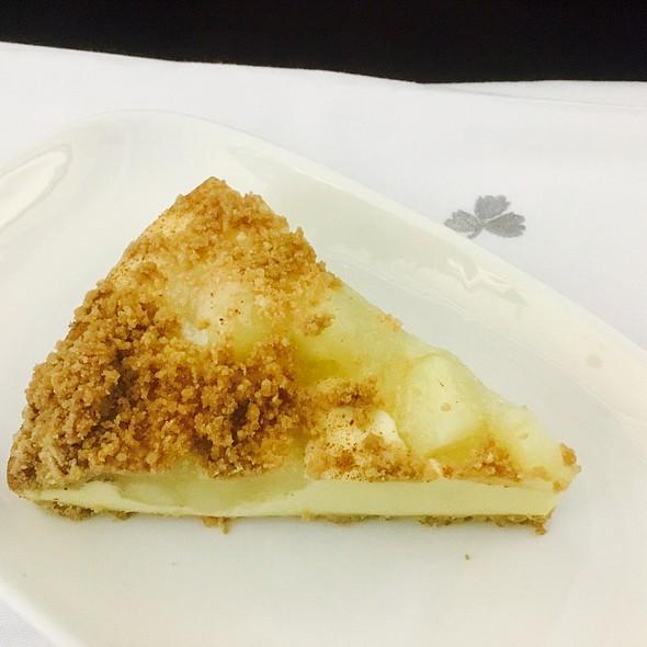Apple Crumble Cake @ Aer Lingus Flight
