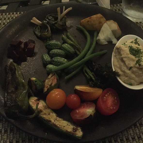 Raw, Pickled, And Grilled Vegetables With Israeli Hummus