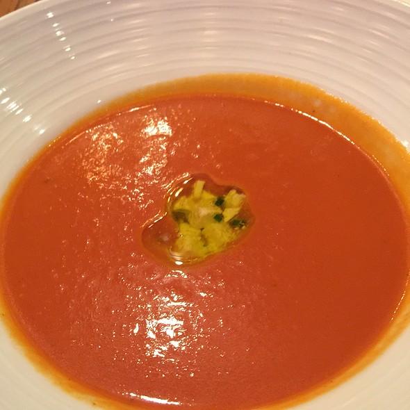 Tomato Soup With Feta Cheese
