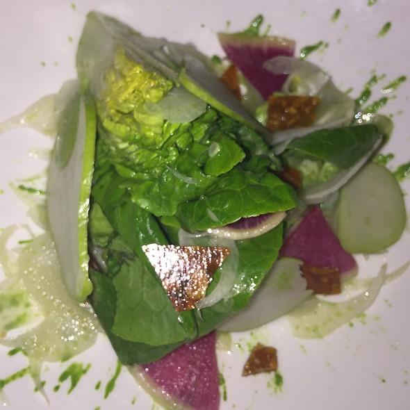 Lettuces, late harvest, figs, caramelized pecans, coriander seeds @ Club (Le) Chasse Et Pêche Restaurant