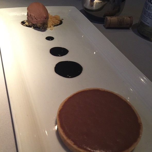 Bombe: Caramel And Milk Chocolate Tartelette With 80% Chocolate Sorbet @ Club (Le) Chasse Et Pêche Restaurant