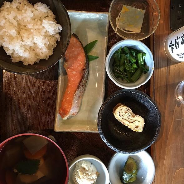 鮭の麹つけ定食 @ だいみん