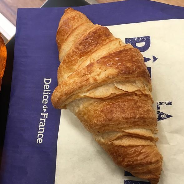 Giant Croissant
