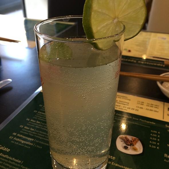Homemade Lemonade @ Mala Min