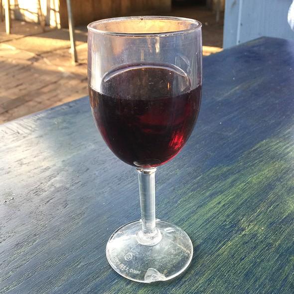 Pinot Noir @ Mollys