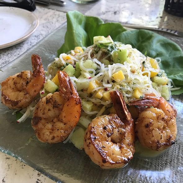 Glass Noodle Salad With Grilled Shrimp & Mango