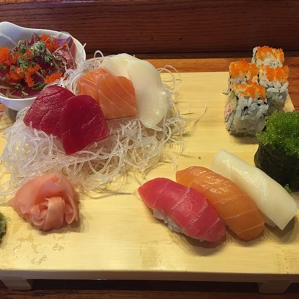 Sushi Lunch Combo E @ Sushi House