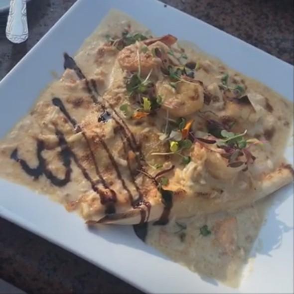 Seafood Crepes @ C'est La Vie