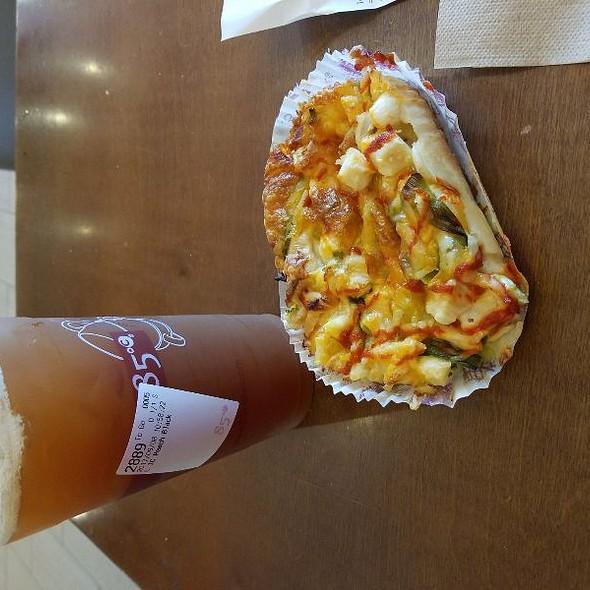 Hawaiian Chicken @ 85 °C Bakery Cafe