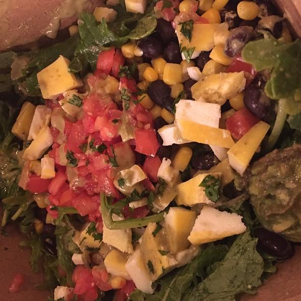 Salad @ grabbagreen