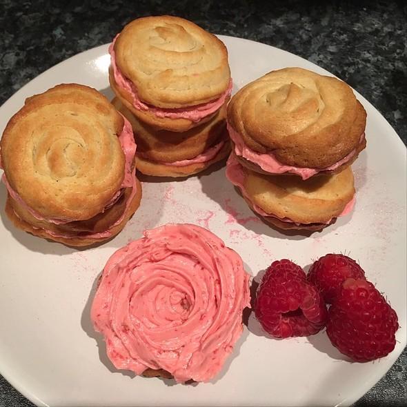 Raspberry Buttercream Sandwich Biscuits