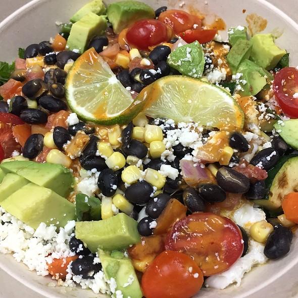 Spicy Cilantro Quinoa Kale Bowl @ B.Good