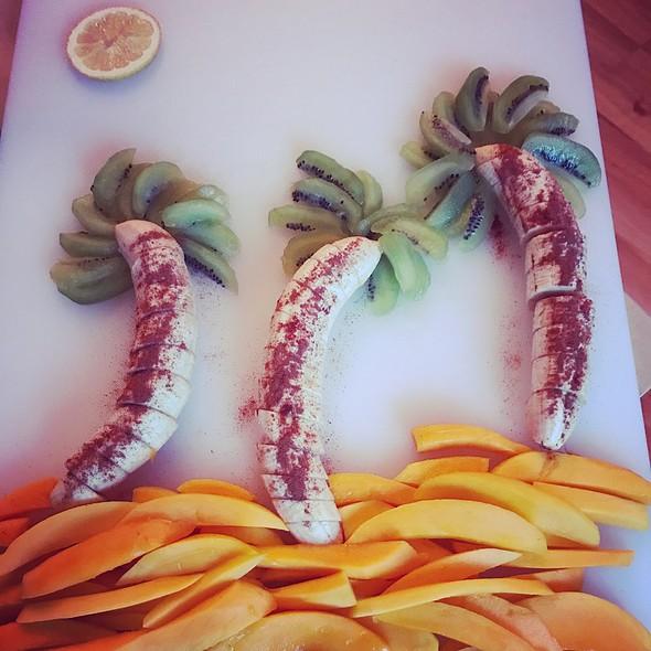 My Friend Made Fruit Art