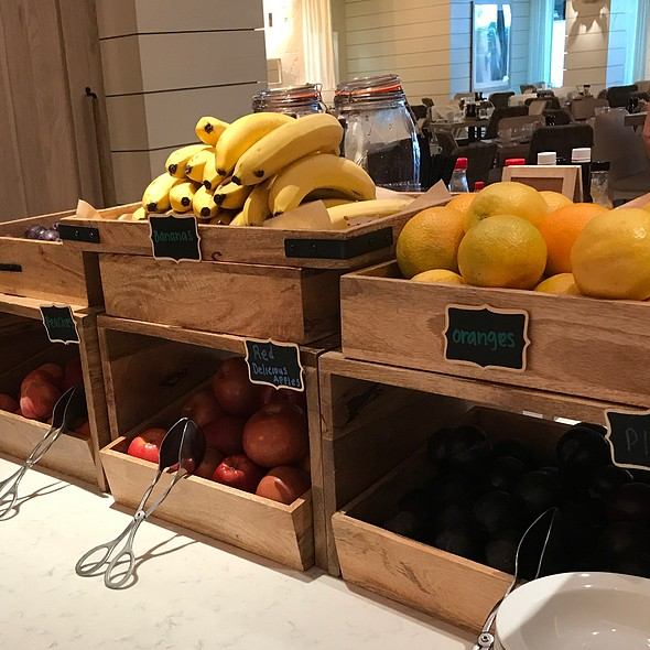 Buffet Breakfast Fruits