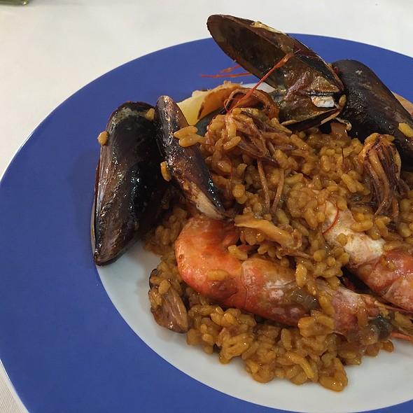 Paella De Marisco @ Debut Restaurant