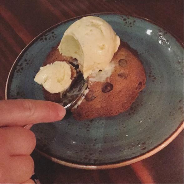 Warm Chocolate Chip Cookie With Ice Cream @ Hillside Supper Club