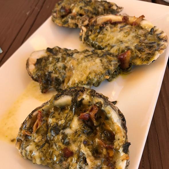 Oysters Rockafellar @ Dock Of The Bay