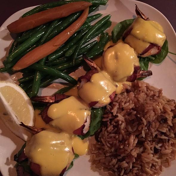 Shrimp Iggy @ Village Inn Restaurant - Mackinac Island