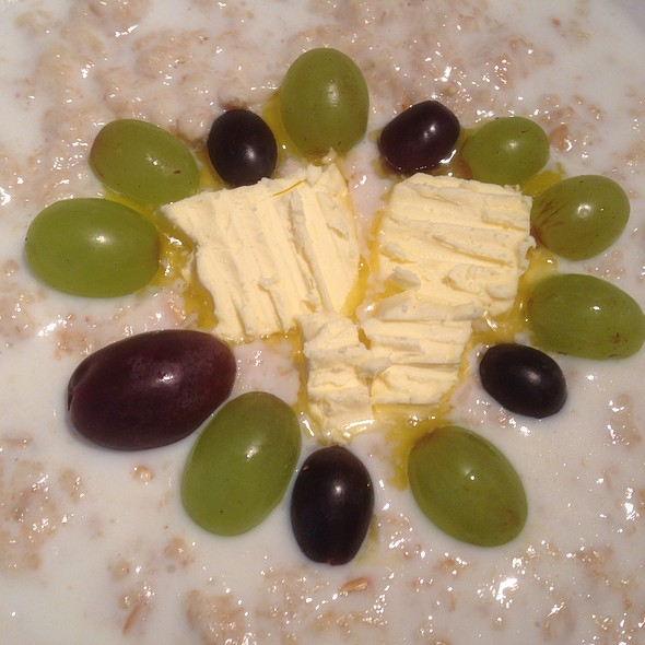 Milk Porridge with Grapes