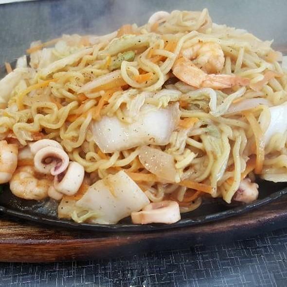 Seafood Noodles Teppanyaki