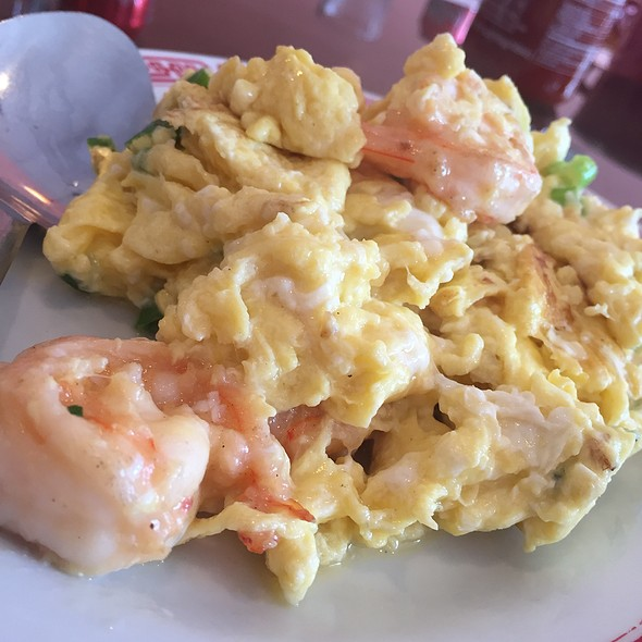 Scrambled Eggs & Shrimp @ R House