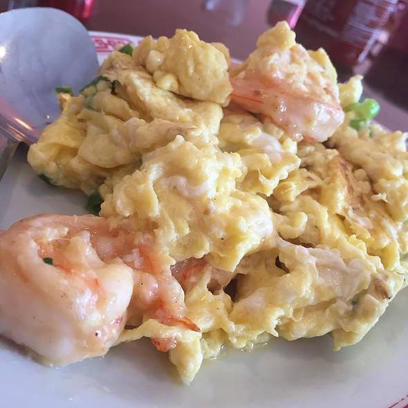 Scrambled Eggs & Shrimp @ R House