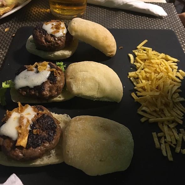 Minihamburguesas @ Chiringuito La Plazoleta