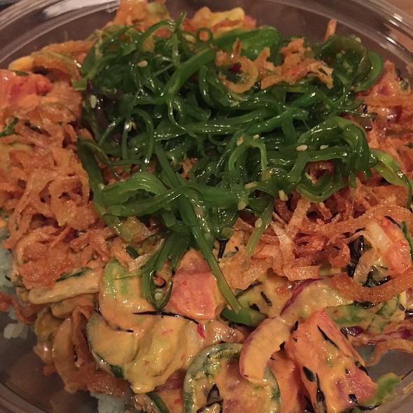 Spicy Tuna Poke Bowl @ Pok