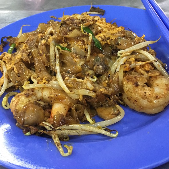 Char Kuey Teow with Duck Egg