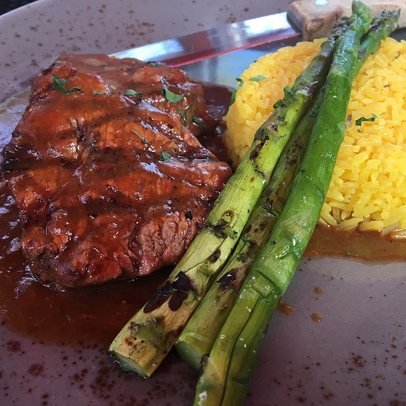 Sirloin Beef Tips With Yellow Saffron Rice And Grilled Asparagus @ The Trap