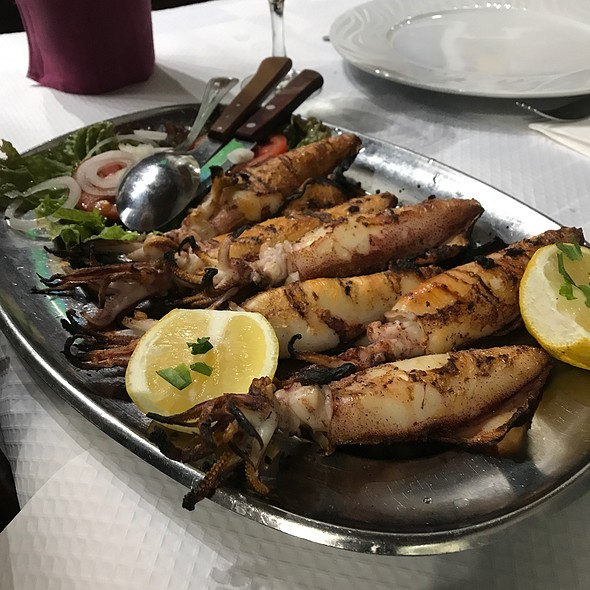 Grilled Squid @ Restaurante Mar De Areia