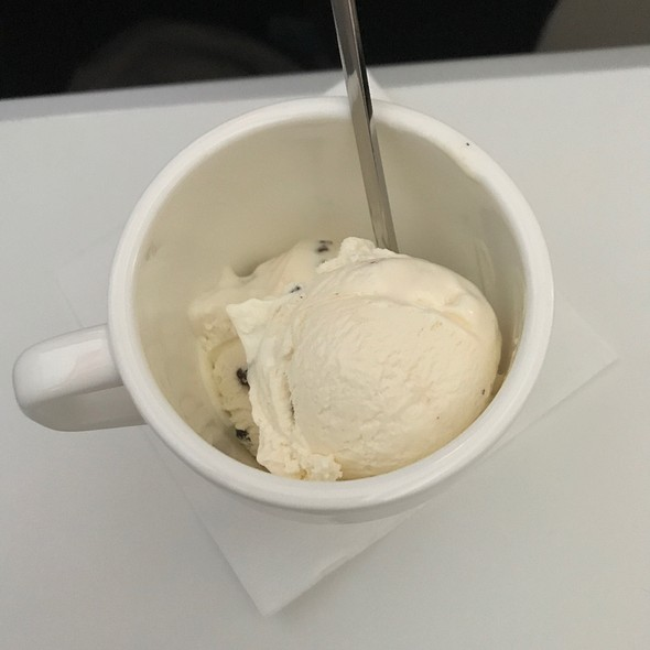 Vanilla Ice Cream @ Swissair