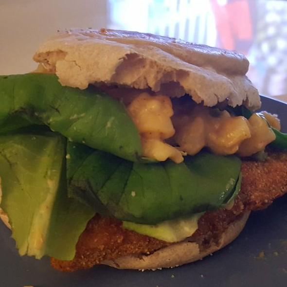 Catfish Jalapeno Mac & Cheese Sandwich