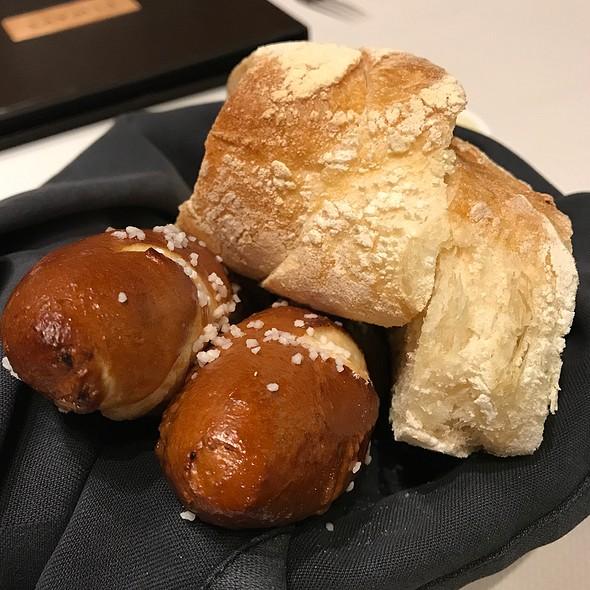Bread Basket @ Elway's