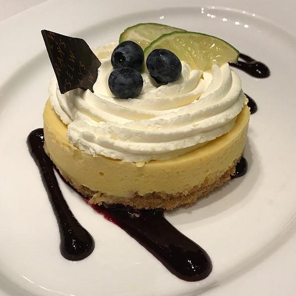 Key Lime Pie @ Elway's