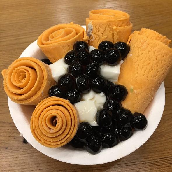 Rolled Ice Cream @ STEEP