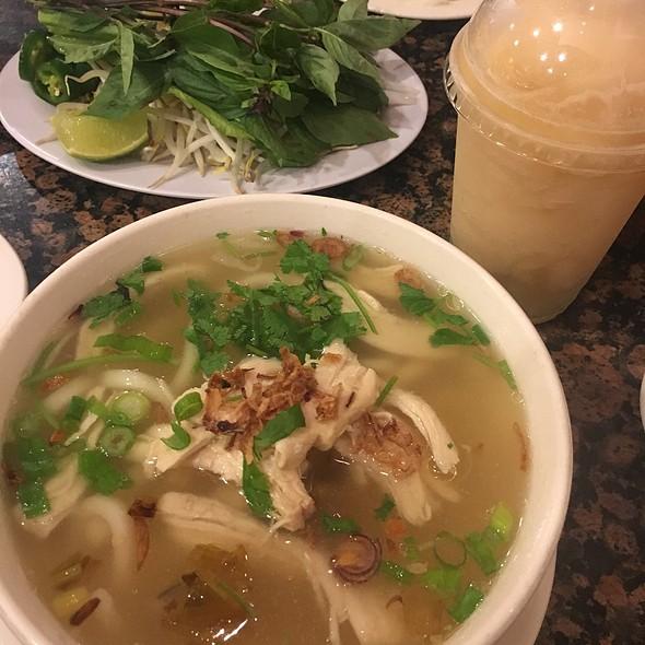 Vietnamese Udon Noodle Soup