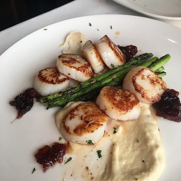 Scallops @ Cutters Crabhouse