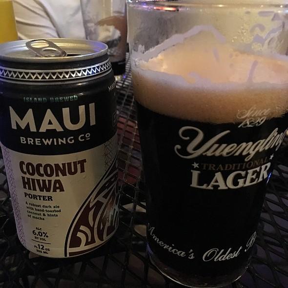 Maui Coconut Porter @ Charlie's Neighborhood Pub & Grub