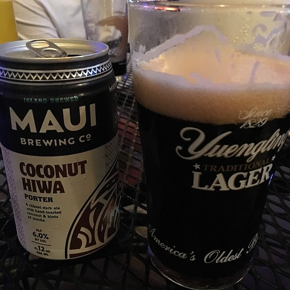 Maui Coconut Porter @ Charlie's Neighborhood Pub & Grub