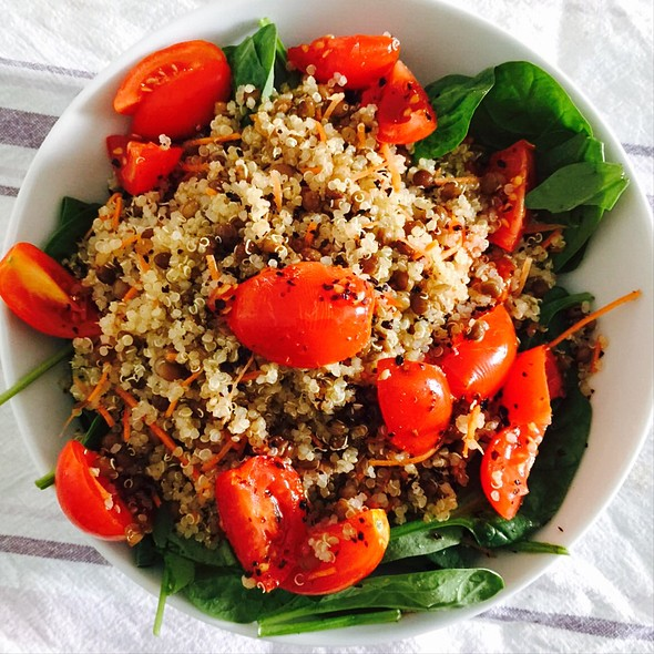 Quinoa Salad With Spinach Lentils And Cherry Tomatoes