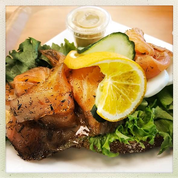 Traditional Graved Salmon Open Sandwich