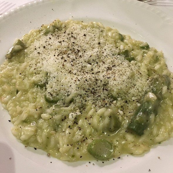 Risotto With Asparagus And Drops Of Light Pesto Sauce