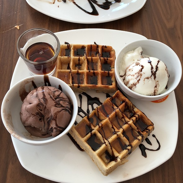 Waffles with Chocolate and Icecream
